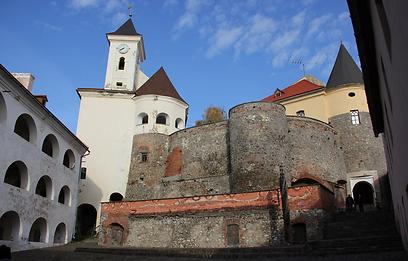מכאן גורשו יהודי האזור למחנות ההשמדה. הטירה במונקטש (צילום: יצחק טסלר) (צילום: יצחק טסלר)