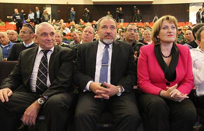 קירשנבאום, ליברמן ואהרונוביץ, הערב (צילום: עידו ארז) (צילום: עידו ארז)