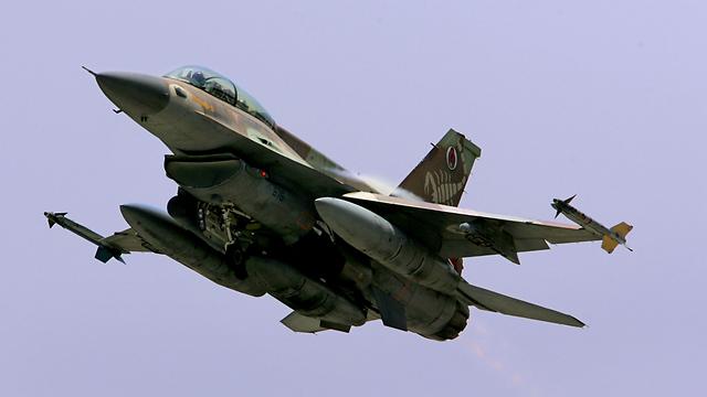 """ארכיון. F-16 """"ברק"""" (צילום: Getty Images   ) (צילום: Getty Images   )"""