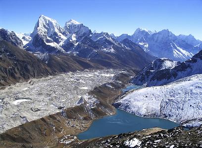 להגיע ליעד הנכסף בגובה 8,848 מ'. האוורסט בנפאל (צילום: shutterstock) (צילום: shutterstock)