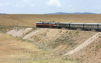 נוסעת במסלול הארוך בעולם. הרכבת הטרנס-סיבירית (צילום: shutterstock) (צילום: shutterstock)