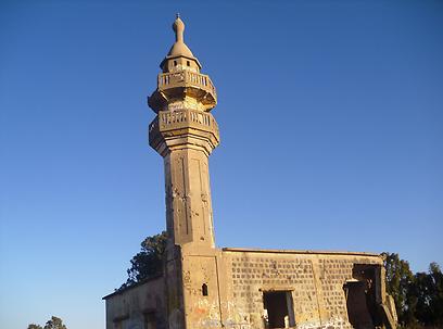 מסגד בעיירה חושניה (צילום: גיל ברנר)