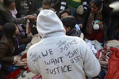 """""""רוצים צדק"""". העם ההודי יצא לרחובות, התיירות מתרחקות (צילום: AFP) (צילום: AFP)"""