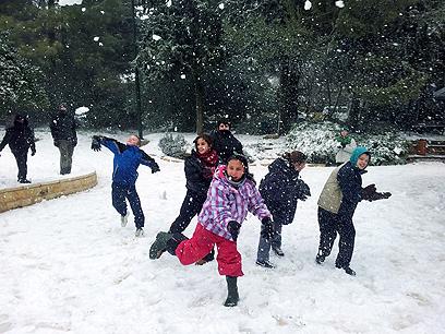 התלמידים בצפון חוגגים יום חופש (צילום: עידו בקר) (צילום: עידו בקר)