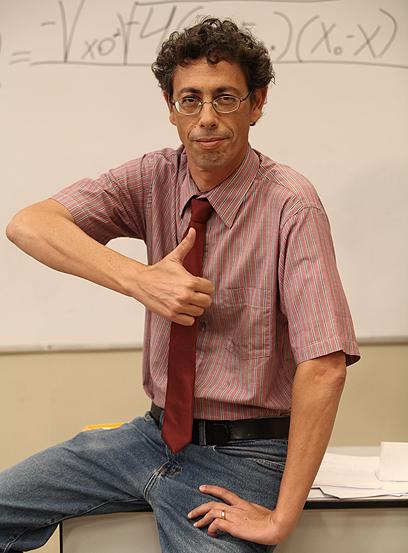 שי גבריאלוב, מנהל בית הספר - דני קרפל (צילום: אלדד רפאלי)