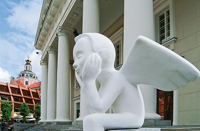 את ליטא מעטרים עשרות פסלים ברחובות - חוויה אמנותית וויזואלית (צילום: Lithuanian tourist board) (צילום:  עמרי גלפרין, טבע הדברים) (צילום:  עמרי גלפרין, טבע הדברים)