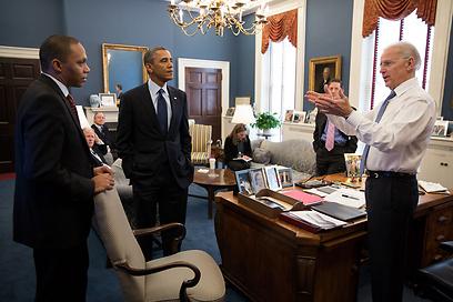 ביידן ואובמה בבית הלבן, היום (צילום: AFP) (צילום: AFP)