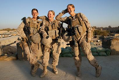 חיילות חיל הים האמריקני באפגניסטן        (צילום: Gettyimages) (צילום: Gettyimages)