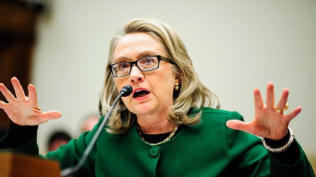 הרפובליקנים ינסו להעלות באוב את בנגזי. קלינטון בשימוע בסנאט (צילום: EPA) (צילום: EPA)
