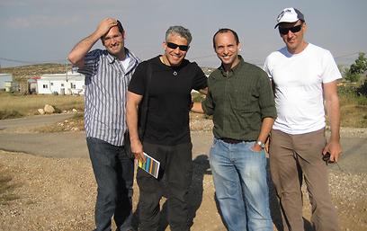 יש עתיד לבית היהודי? לפיד ובנט בפגישתם ב-2010 (צילום: דוברות בנימין) (צילום: דוברות בנימין)