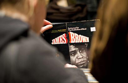 מצא את ג'יימס בראון. נראה אותו מוצא את הביטלס (צילום: AFP) (צילום: AFP)