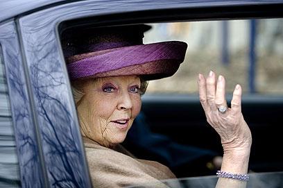 ירשה את הכתר מאמה, המלכה יוליאנה (צילום: AFP) (צילום: AFP)