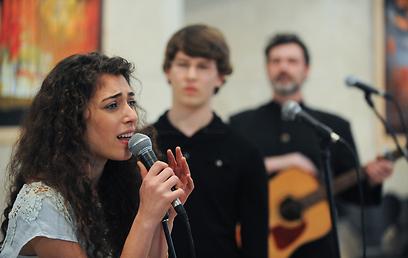 צלילי המוזיקה בהפקת האופרה הישראלית. קאסט מפתיע  (צילום: בני דויטש) (צילום: בני דויטש)