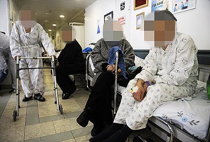 האוכלוסיה מזדקנת, אבל הממשלה מסרבת להיערך  (צילום: AFP) (צילום: AFP)