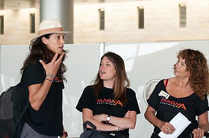 דליה מנטבר, קרנית גולדווסר וענת הראל (צילום: איה בן עזרי)