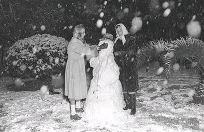 Snow in Tel Aviv in February 1950 (Photo: David Eldan, GPO)