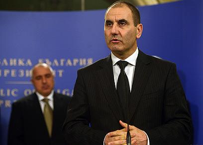 """צווטנוב במסיבת העיתונאים. """"מצפים שלבנון תסייע בחקירה"""" (צילום: AFP) (צילום: AFP)"""