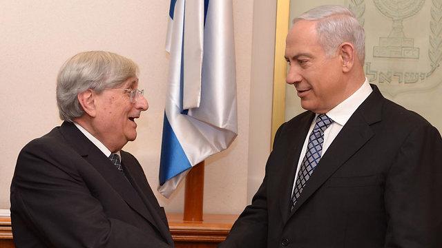 """טירקל עם ראש הממשלה. אמור למסור לו מסקנות (צילום: משה מילנר, לע""""מ) (צילום: משה מילנר, לע"""