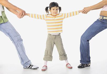 אתם שוכחים שהילד נקרע באמצע (צילום: Shutterstock )