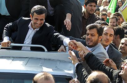 נשיא של השכבות החלשות. אחמדינג'אד העממי (צילום: AFP) (צילום: AFP)