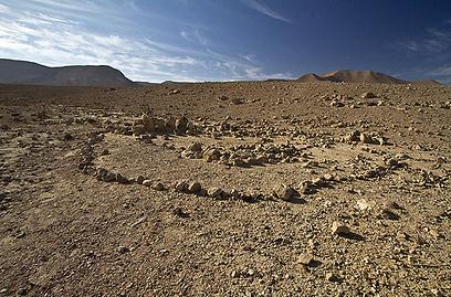 האבנים החשובות היוו להר מעמד קדוש. מתחם פולני בהר כרום (צילום: רון פלד) (צילום: רון פלד)