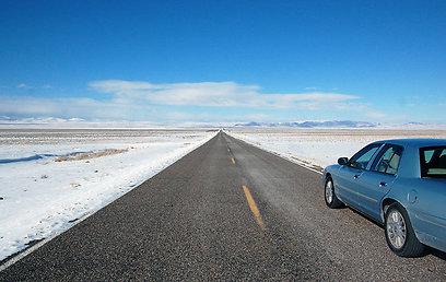 התחזית מספרת על ימים קרים מאוד. כביש במדבר השלג (צילום: ליאור קורן) (צילום: ליאור קורן)