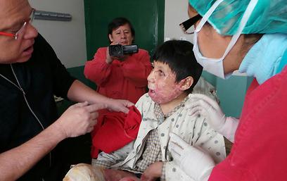 פנים מצולקות - תוצאה של ניתוחים כושלים (צילום: דורון קופרשטין) (צילום: דורון קופרשטין)