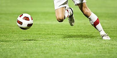 הכדור הוא עגול ומה לגבי הפקקים? (צילום: shuutestock) (צילום: shuutestock)