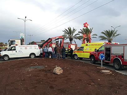 """זירת התאונה בטבריה (צילום: משה ממן, סוכנות הידיעות """"חדשות 24"""") (צילום: משה ממן, סוכנות הידיעות"""