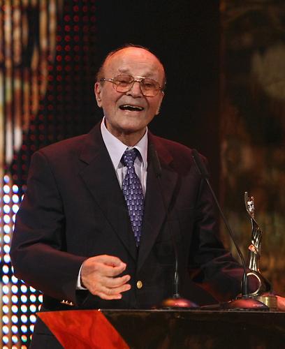 יואל זילברג מקבל את פרס אופיר. מהבמה למסך (צילום: שאול גולן) (צילום: שאול גולן)