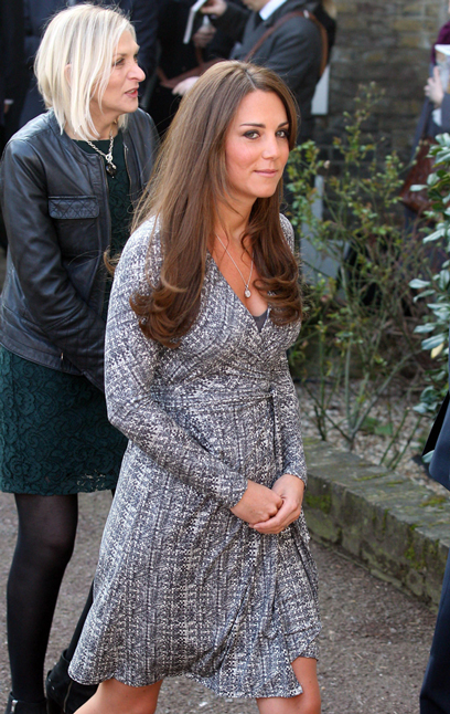 קייט בחשיפה ראשונה של ההריון, לפני כמה חודשים (צילום: MCT) (צילום: MCT)