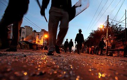 תוצאות מהומות בהודו אחרי אונס קודם, של ילדה בת 7 (צילום: AP) (צילום: AP)