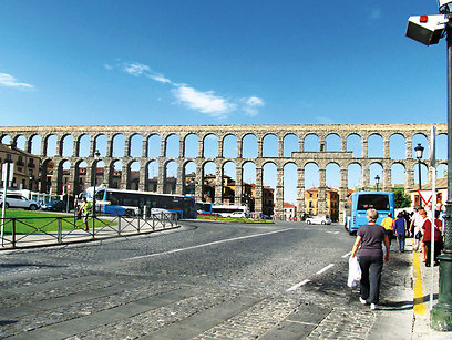 עשרות אמות מים רומיות נבנו ברחבי האמפריה והובילו מים לערים (צילום: שלמה צדקיהו) (צילום: שלמה צדקיהו)