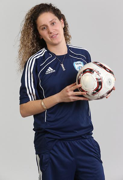 """נעמה כהן. """"אין אמצעים לכדורגל הנשים"""" (צילום: אביגיל עוזי) (צילום: אביגיל עוזי)"""