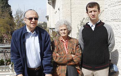 """ד""""ר אבישלום וסטרייך, פרופ' רות גביזון ופרופ' פנחס שיפמן  (צילום: עטא עווסאת   )"""