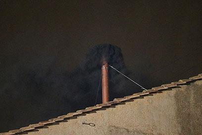 עשן שחור בהצבעה הראשונה (צילום: Gettyimages) (צילום: Gettyimages)