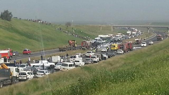 תאונה בכביש 6 - פוטנציאל לפקקי ענק (צילום: עמוס שביט) (צילום: עמוס שביט)