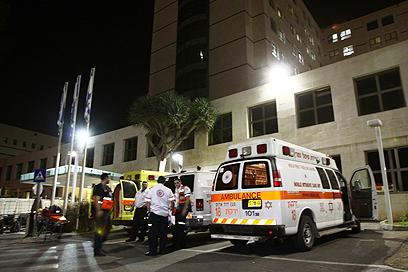 שלוש פצועות הובאו לבית החולים בילינסון (צילום: אבי מועלם) (צילום: אבי מועלם)
