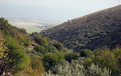 עמק החולה ברקע - מבט מנחל ראש פינה (צילום: יאיר זיידנר)