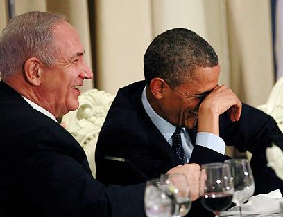 ספרו לכולם. המנהיגים בארוחת הערב בבית הנשיא (צילום: רויטרס) (צילום: רויטרס)