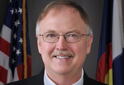 ראש שירות בתי הסוהר בקולורדו טום קלמנטס. נרצח בפתח ביתו (צילום: רויטרס) (צילום: רויטרס)