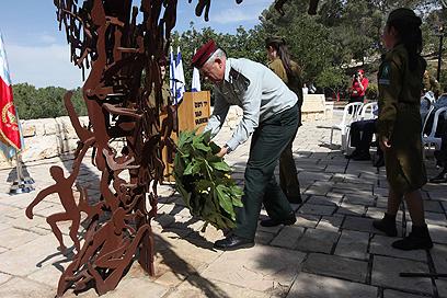 """הרמטכ""""ל במוזיאון יד ושם (צילום: גיל יוחנן) (צילום: גיל יוחנן)"""