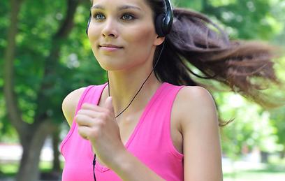 חשוב להתאים את המוזיקה לסוג הספורט (צילום: shutterstock) (צילום: shutterstock)