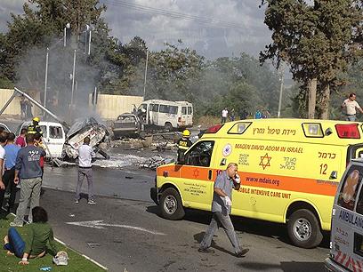 מכוניות הפוכות בזירת התאונה (צילום: אתר פאנט ) (צילום: אתר פאנט )