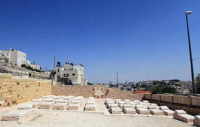 החלקה הצבאית בהר הזיתים (צילום: גיל יוחנן) (צילום: גיל יוחנן)