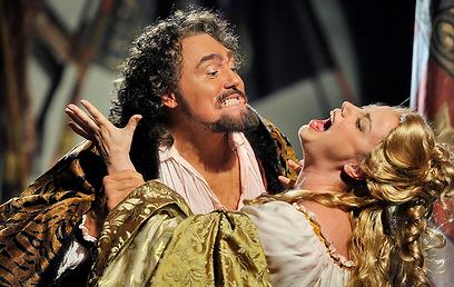 דזדמונה חזקה וחביבה על הקהל (צילום: יוסי צבקר) (צילום: יוסי צבקר)