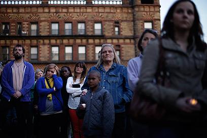 "אזרחי בוסטון ונשיא ארה""ב אבלים (צילום: AP) (צילום: AP)"