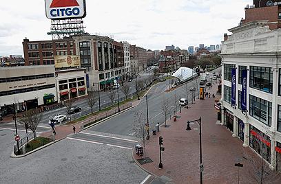 בוסטון נטושה אתמול בשעות הצהריים, שעון מקומי (צילום: AP) (צילום: AP)