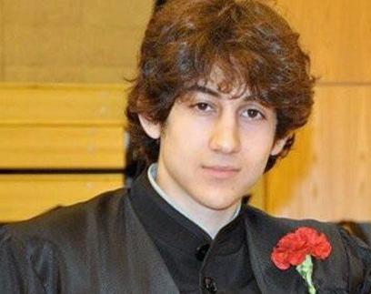 האח הצעיר דז'וחר, בטקס סיום התיכון (צילום: AP) (צילום: AP)