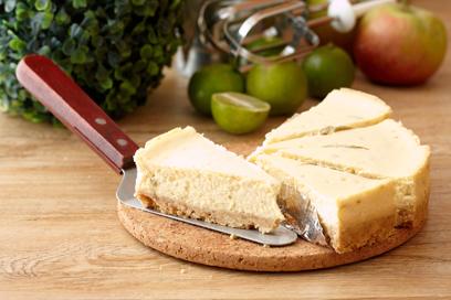 טבעונית! עוגה לבנה עם פירורים (צילום: Shutterstock) (צילום: Shutterstock)